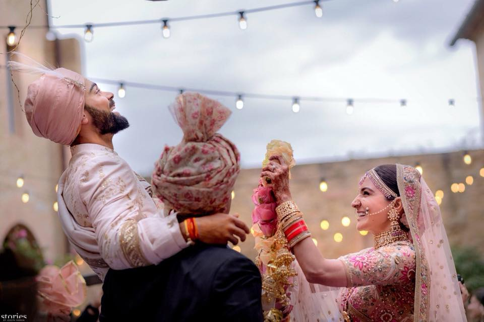 GUYS!! Virat And Anushka Got Married Today And The Pictures Will Melt Your Heart!